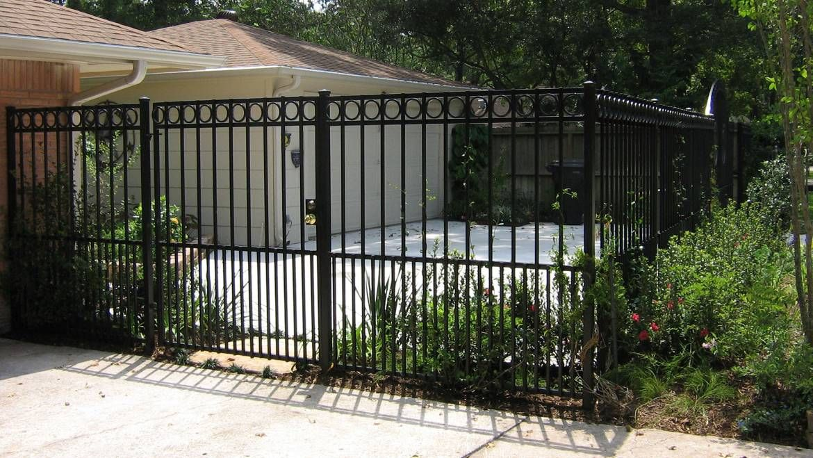 Embellish The Beauty Of Your Home While Keeping Security At The Utmost Priority With Customer Security Fence Security Fence Fence Privacy Fences