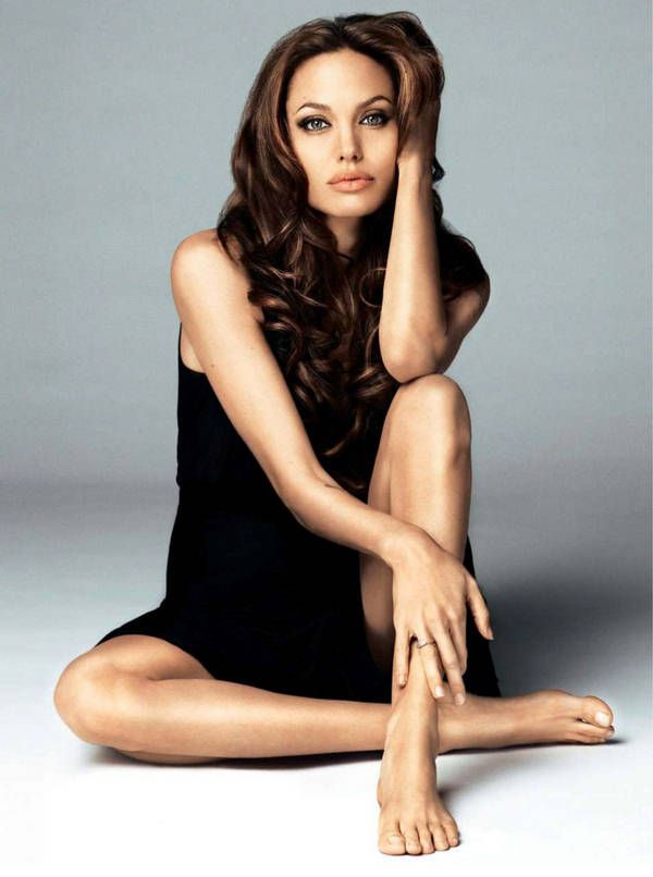 Full body sexy pictures of angelina jolie