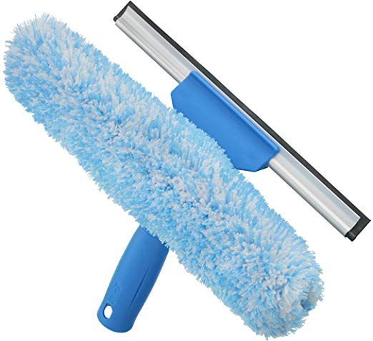 Clean All The Windows Soapy Water Sponge Then Squeegee It Down Using Shammy Cloth Side F Window Cleaning Tools Professional Window Cleaning Washing Windows