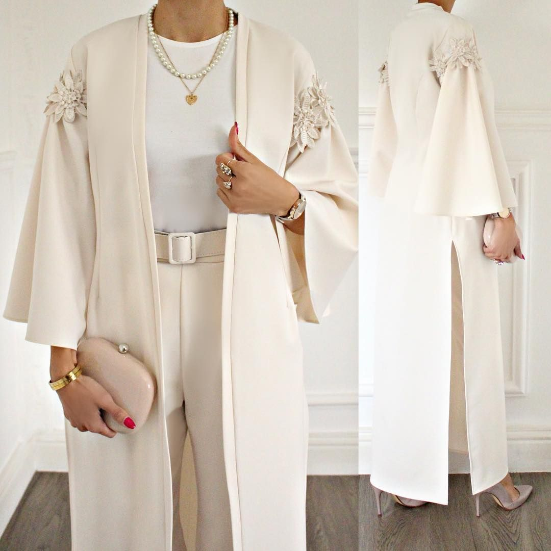 Old Out غير متوفر لون جديد من الطقم الاكثر مبيعا و بكمية محدودة جدا من تصميم غادة عثمان نود التنويه أن التوصيل متوفر لك Fashion Nice Dresses Hijab Fashion