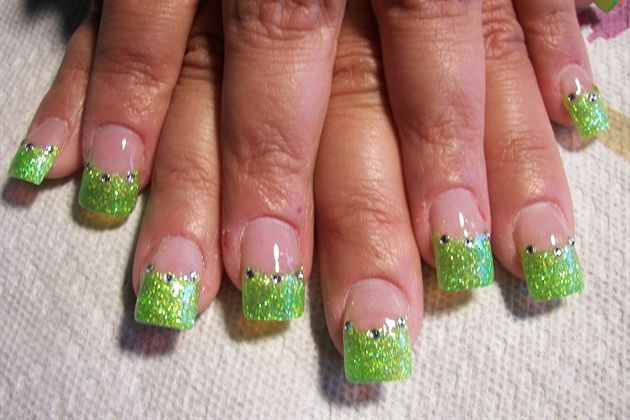 Tinkerbell Nail Art Needs A Purple Strip Under The Green Pretty