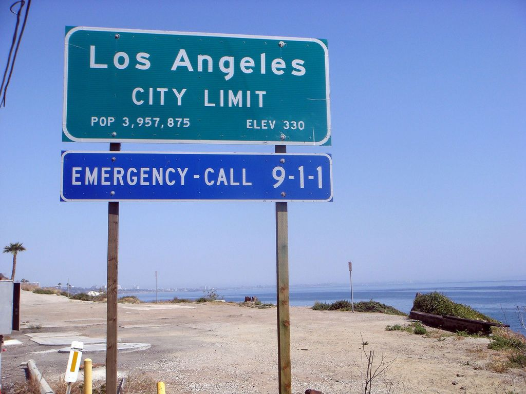 City Of Los Angeles Sign Google Search City Sign Los Angeles City City Limits
