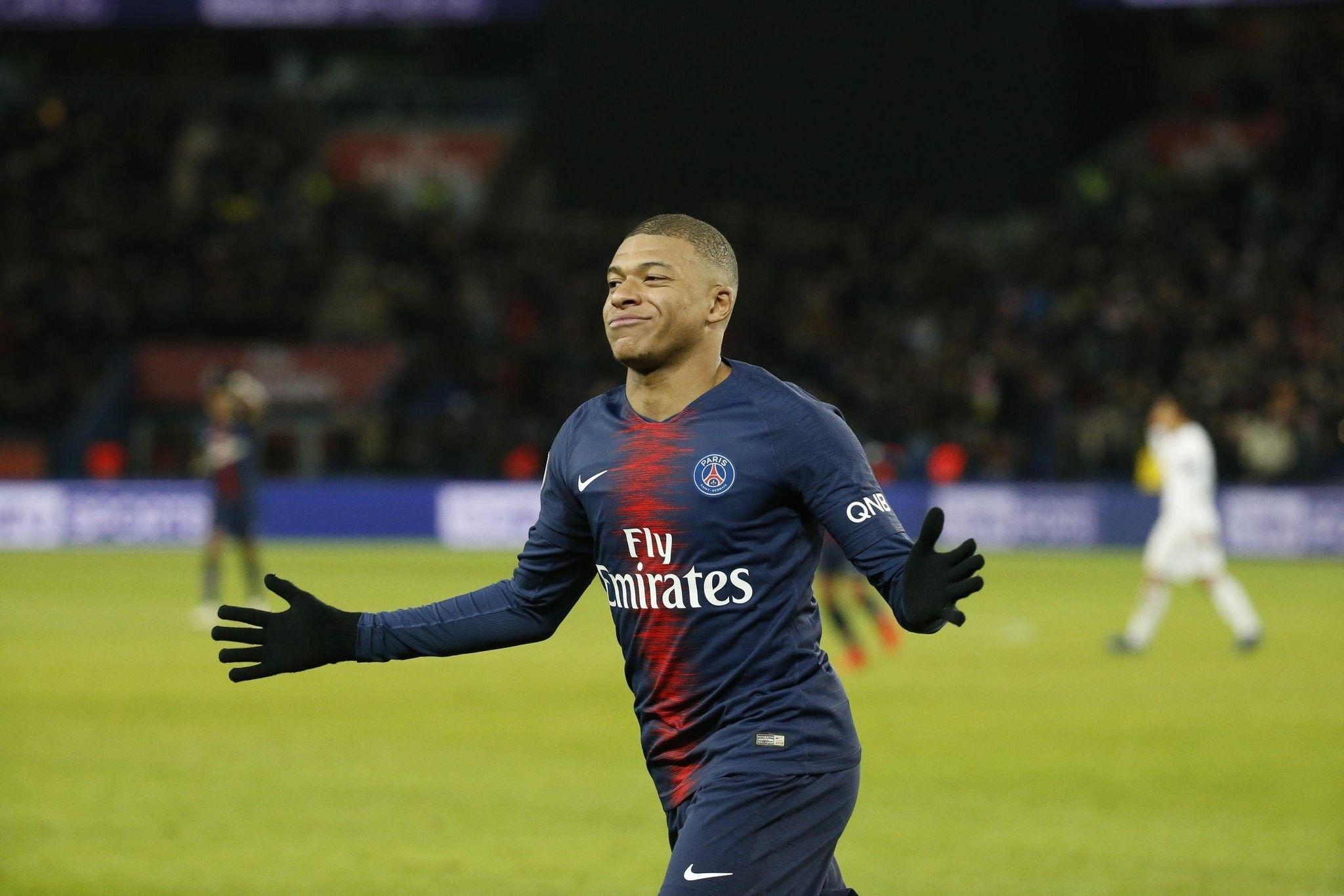 Épinglé par Kiana sur ️Kylian Mbappe ️ Footballeur, As