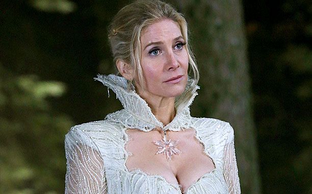 Once Upon A Time Star Elizabeth Mitchell Spills Scoop On The Snow
