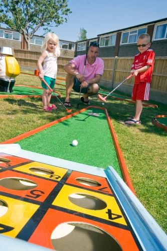 Turn your backyard into a mini golf course fun for the for Mini putt laval exterieur