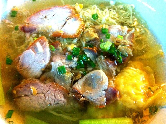 I love that one.... Yummy! - 12件のもぐもぐ - Egg noodle and wonton with grill pork by Issara