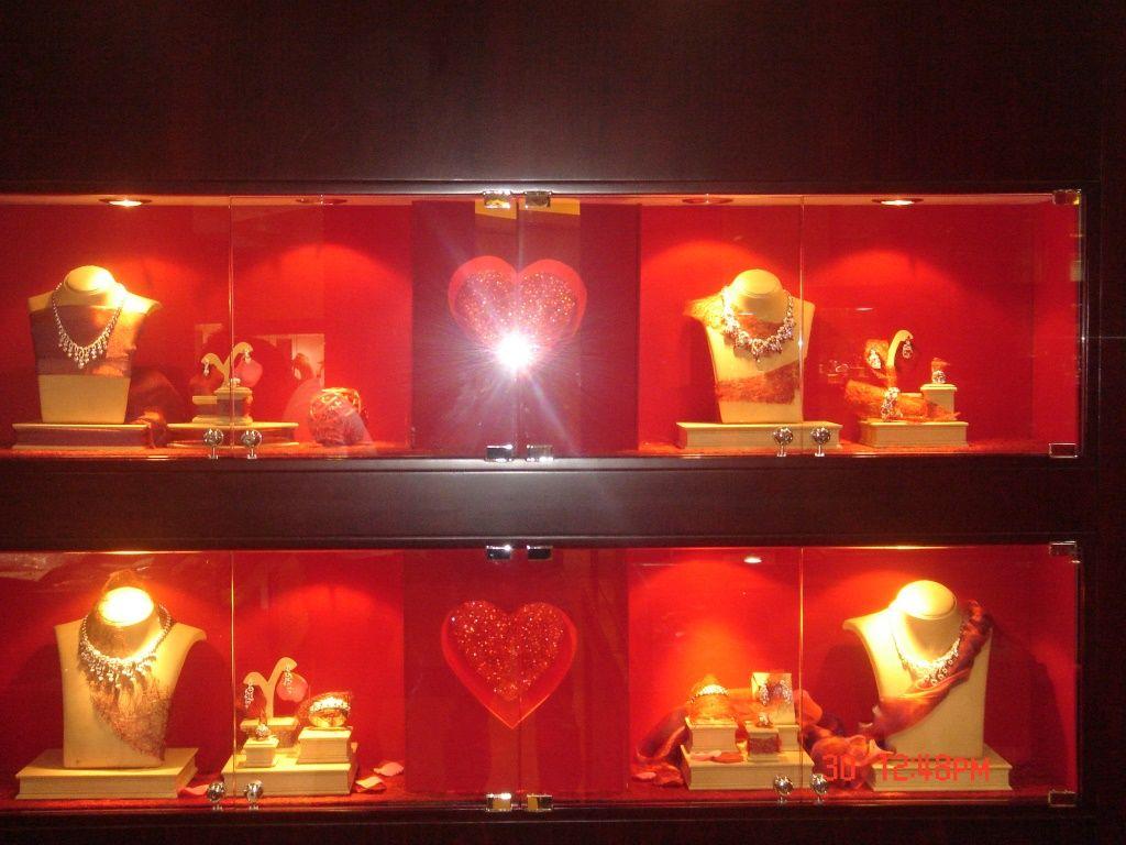 Window display ideas for jewellery  pin by christopher lawrence zablan on jewelry window display ideas
