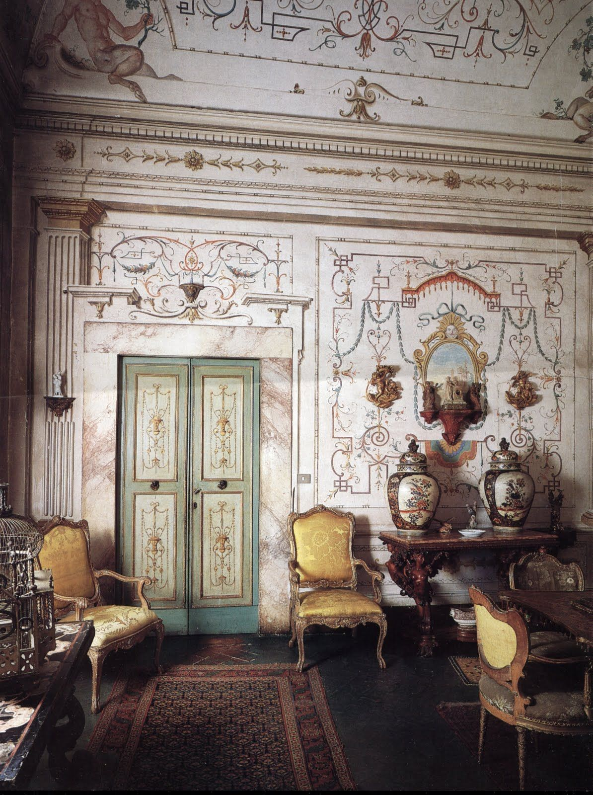 Antiques in Italian Interiors Vol I Italian antique furniture
