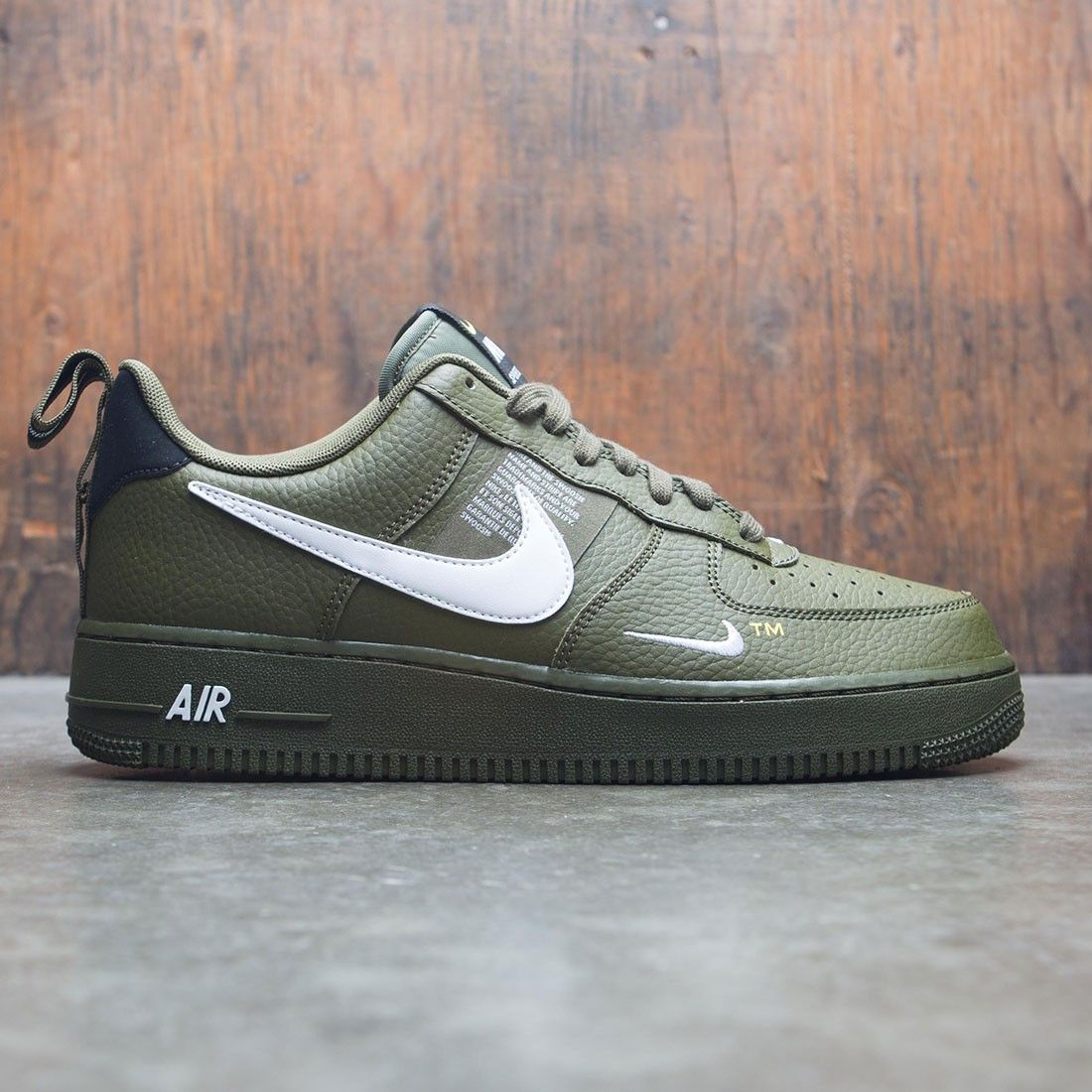 finest selection f00d2 c76d3 Nike Men Air Force 1 07 Lv8 Utility (olive canvas  white-black-