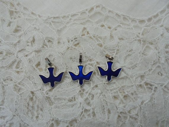Blue enamel bird pendant x 3 by Nkempantiques on Etsy