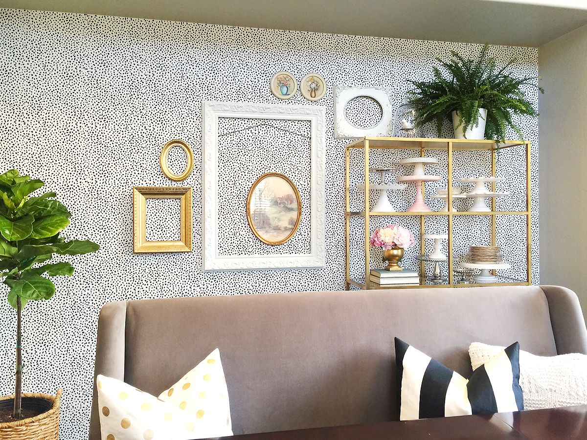 Last week I shared the reveal of my dining room makeover using ablack and white speckleremovable wallpaper from Chasing Paper.Prior to adding the wallpaper I had three Ikea shelf units in this space. Once the paper was up I decided to only add one unit back in because I wanted a completely…