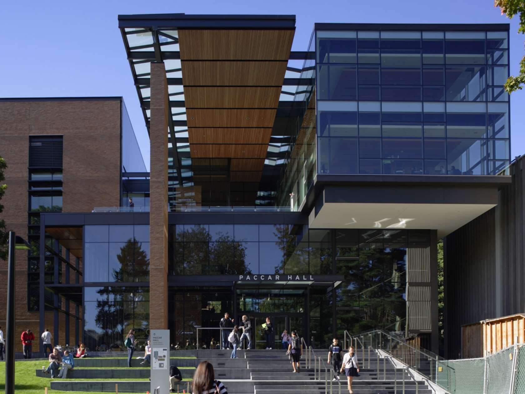PACCAR Hall, Foster School of Business, University of