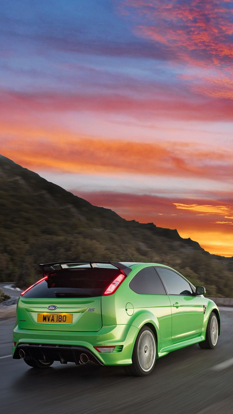 The Classic Iconic And Eye Catching Ford Focus Rs Mk 2 Universal Phone Wallpapers Backgrounds Focus Rs Sports Ford Focus Rs Ford Focus Rs Mk2 Ford Focus St
