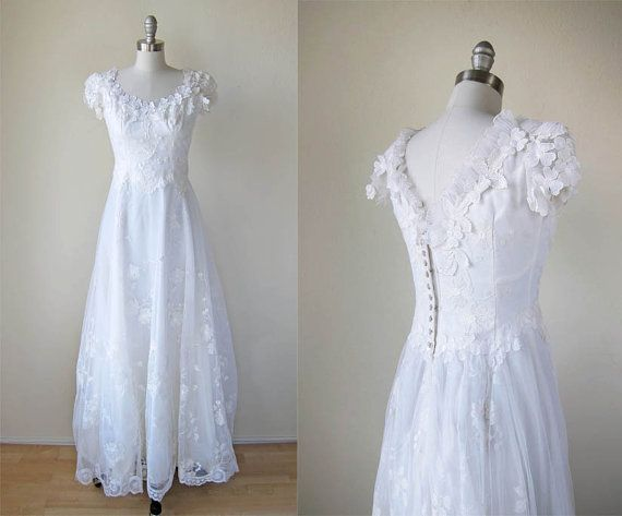 1980s Wedding Gown/ Floral Lace/ House of Bianchi   1980s wedding ...