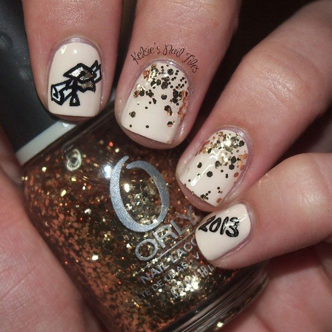 Are you looking for interesting and pretty graduation nails designs to look  ideal at the ceremony? See our photo gallery to pick. - 27 Graduation Nails Designs To Recreate For Your Big Day