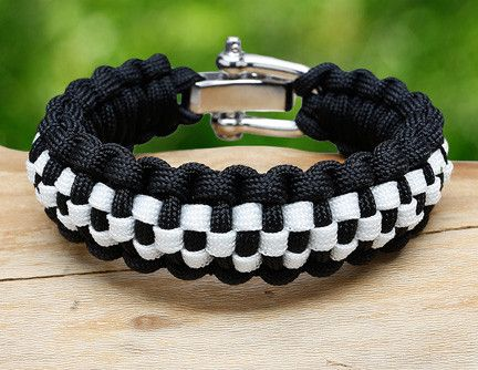 Regular Survival Bracelet Checkered Paracord Bracelet