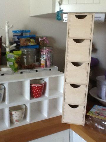 rednoserunpet mein tassenregal kindergarten pinterest regal tassen regal und tassen. Black Bedroom Furniture Sets. Home Design Ideas