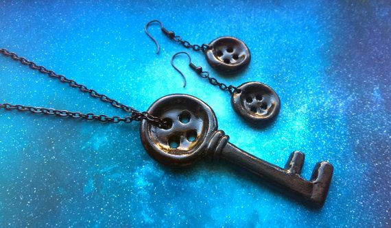 Handmade Coraline Button Key Necklace And By Indigodreamerdesigns 23 00 Coraline Coraline Jones Coraline Neil Gaiman