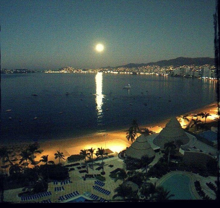 Noches de luna llena en Acapulco, Guerrero.