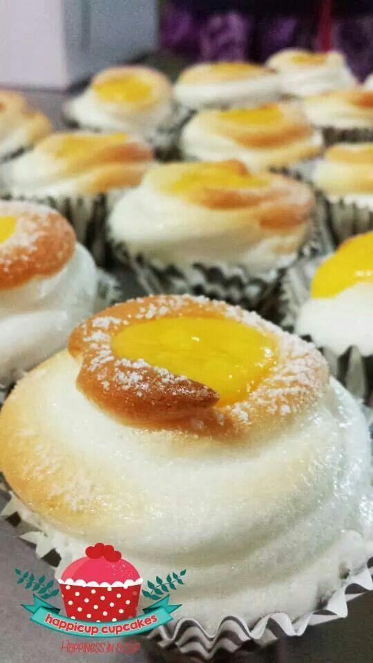 Brazo de mercedes cupcakes baked by my sister 👍 | Food ...