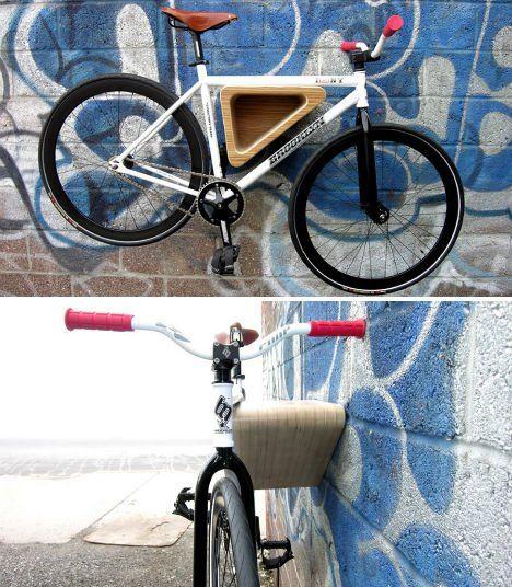 sleek wooden wall rack bikes pinterest porte v los. Black Bedroom Furniture Sets. Home Design Ideas