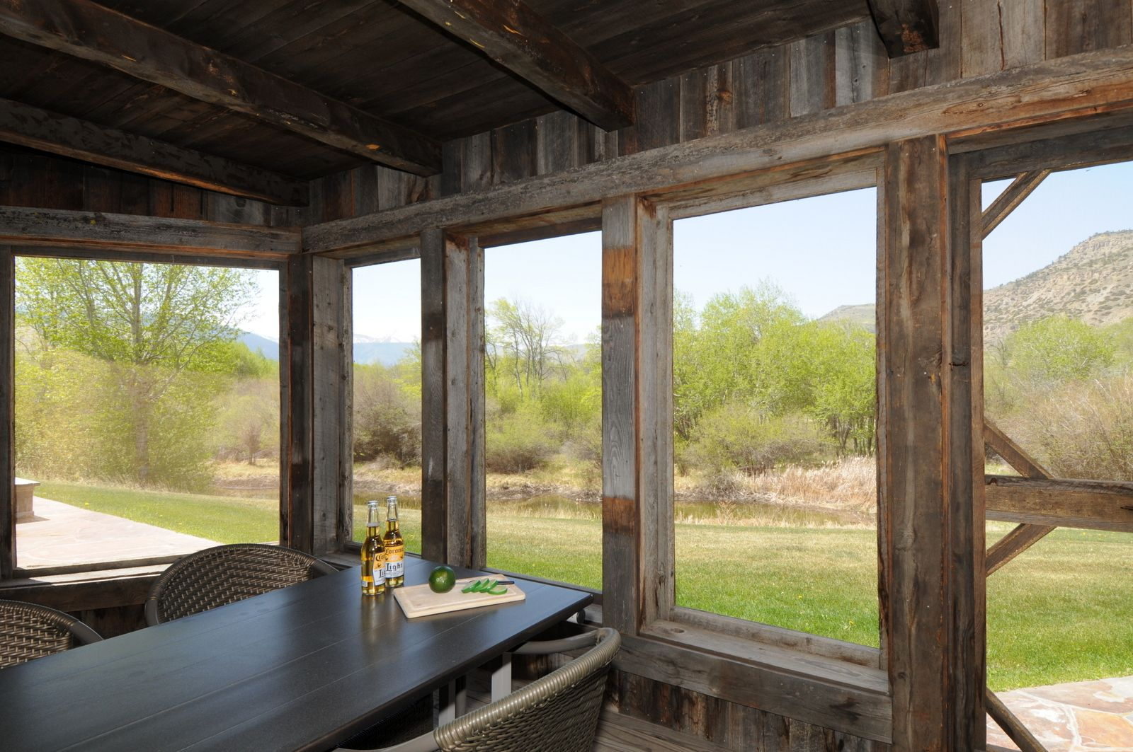 an enclosed deck allows you to eat outside without getting too