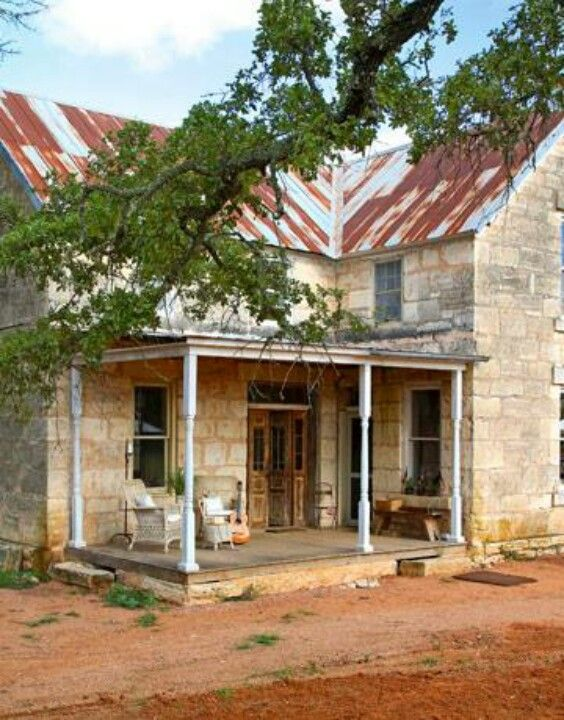 Rock And Roof Hill Country Homes Texas Farmhouse Old Farm Houses
