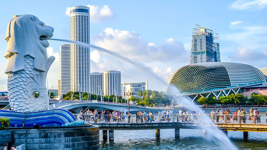 In every travel destination, you come across some sort of famous landmark that has become synonymous with the place. The body of a fish and head of a lion, namely The Merlions – Singapore is the prime example of...http://www.milestogo.biz/the-merlions-singapore
