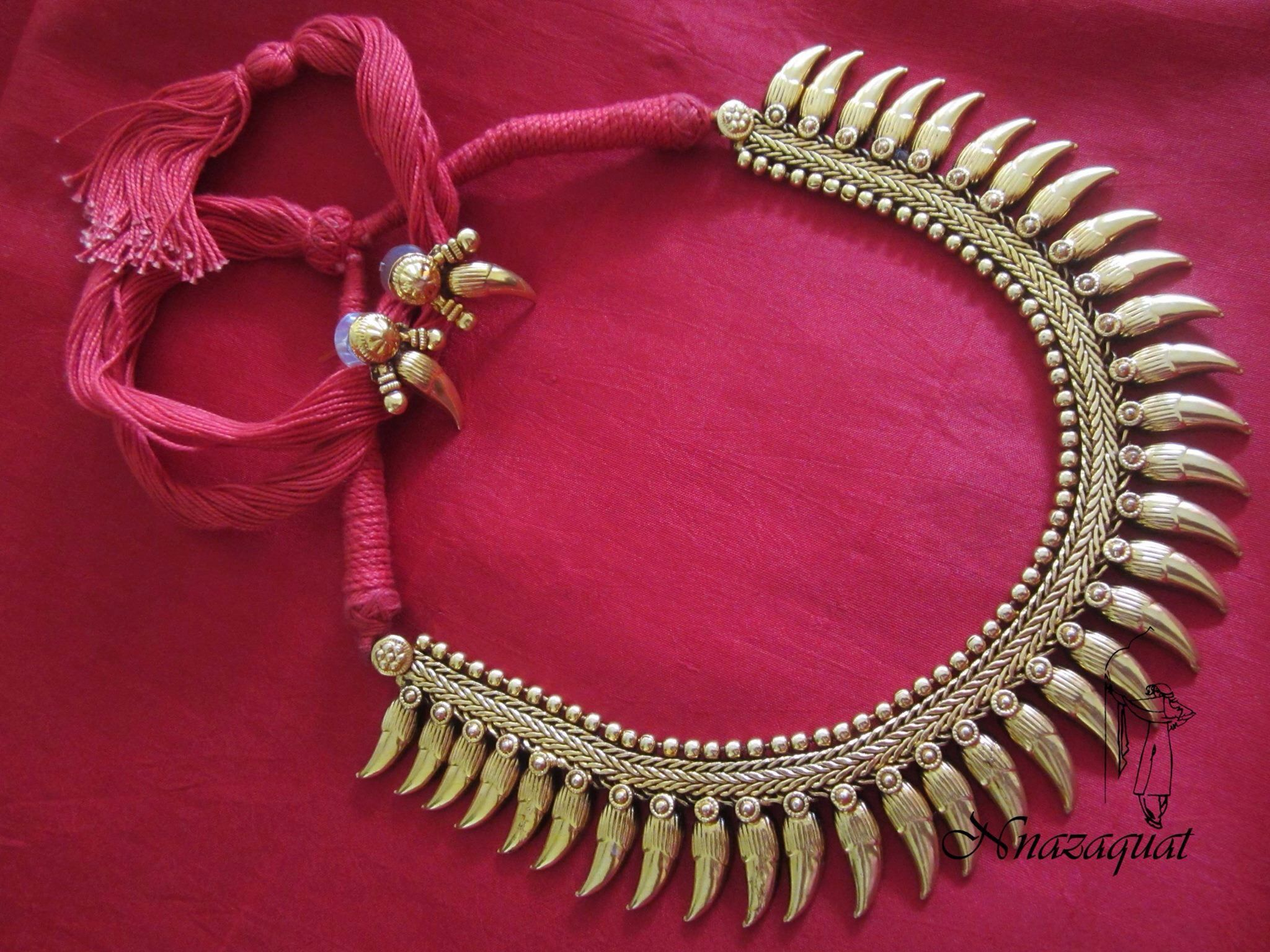 hand crafted necklace designed by Nnazaquat.