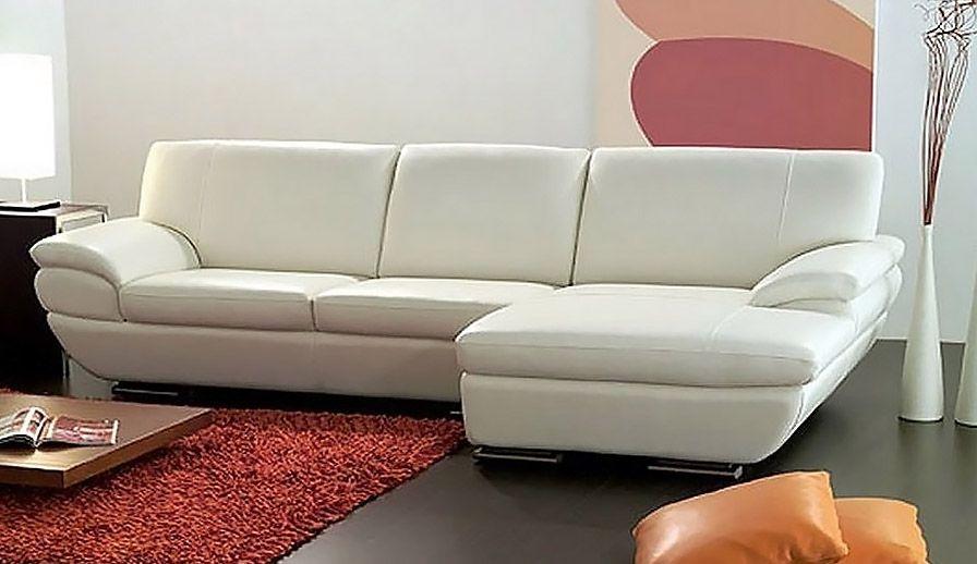 Divano moderno angolare con chaise long comodo e elegante molto