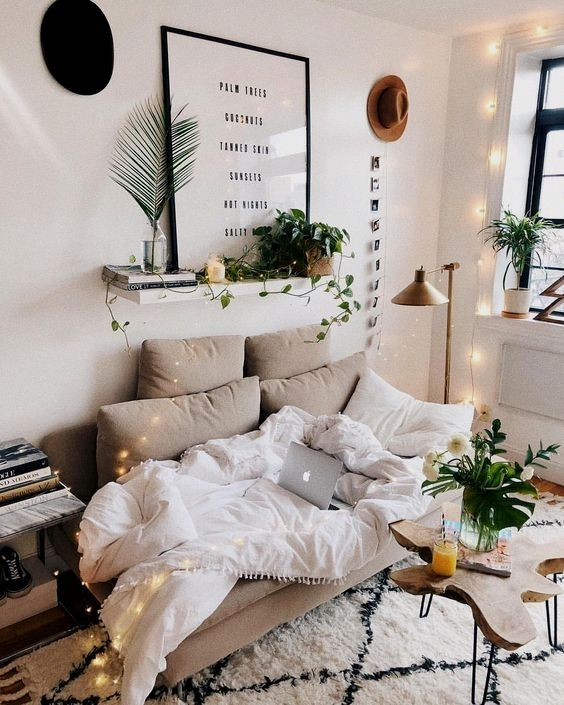 The Mid Century Modern Decor On A Budget That's Perfect For Your Dorm Room images