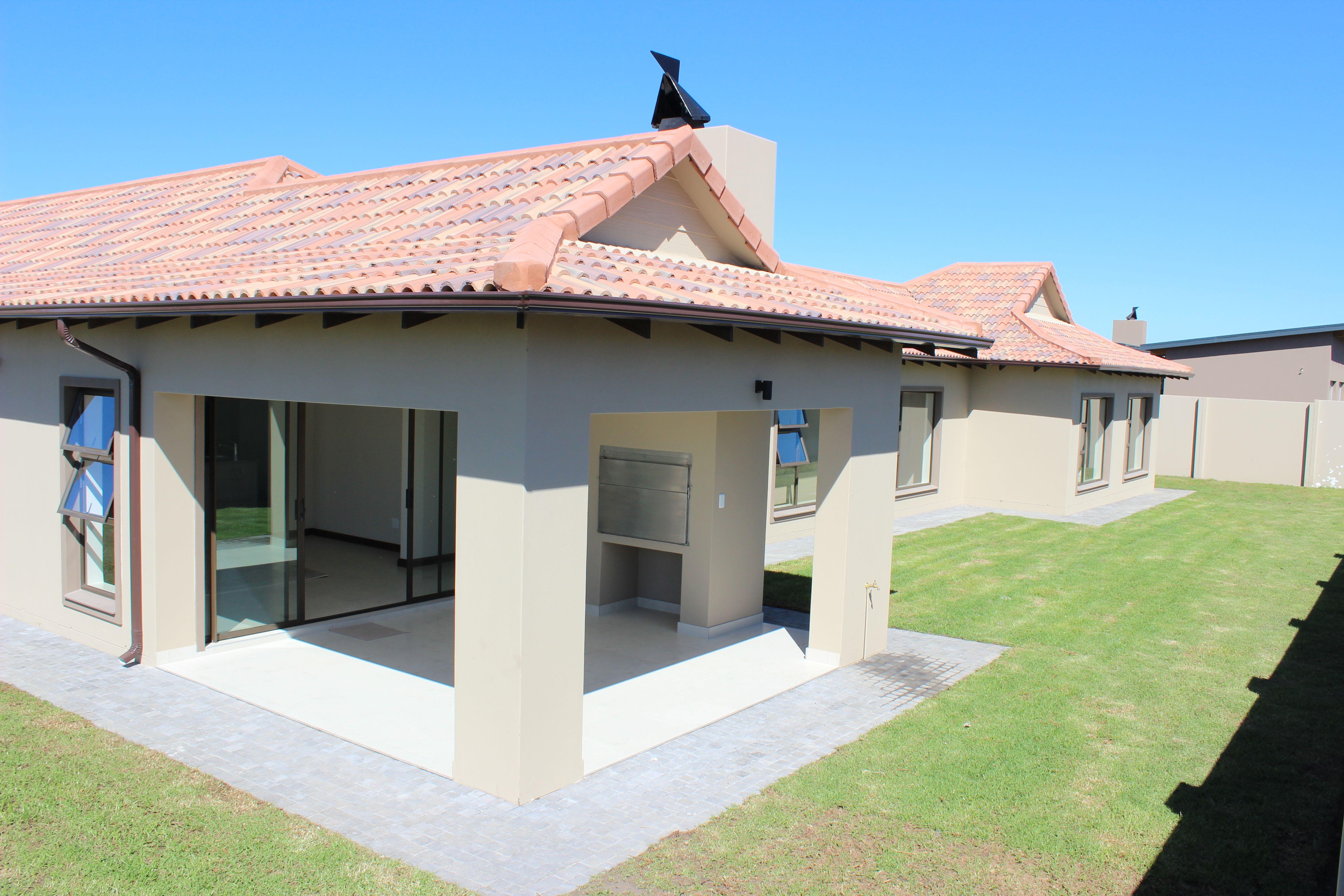 Bali Style House, 4 Bedroom, 3 Bathrooms, open plan ...
