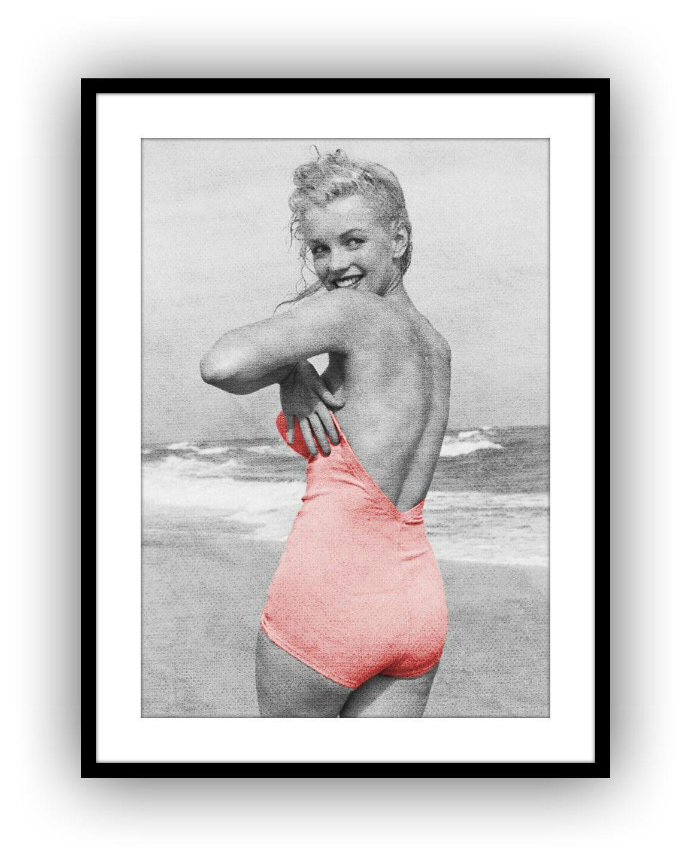 Marilyn Monroe Poster Glancing Backwards B W Retro By Adollysworld