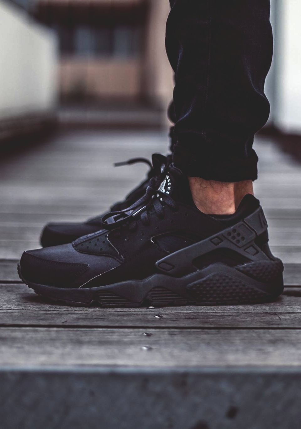 nike huarache all black