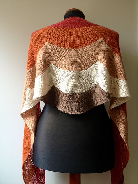 Aranami Shawl by Olga Buraya-Kefelian knit by himawari in a different colorway. Link to pattern for purchase at Ravelry.