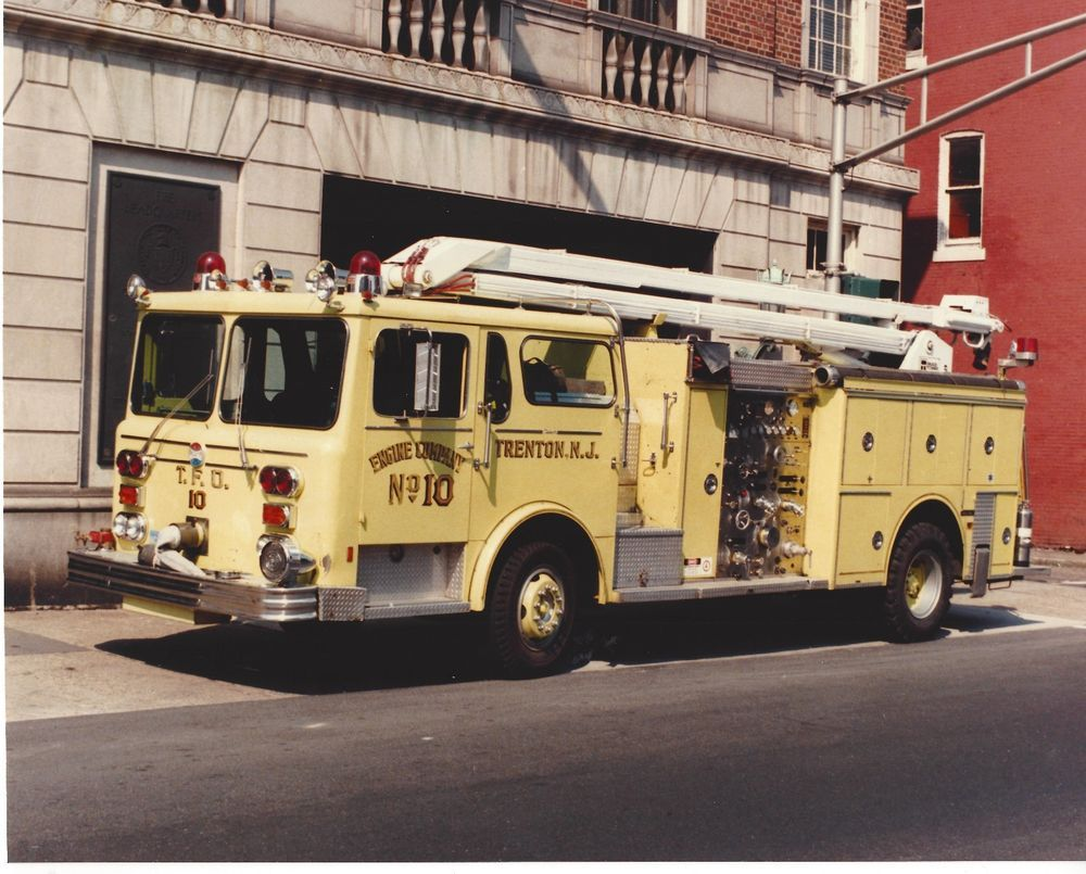 Trenton Fire Department Engine 10 Maxim Apparatus New Jersey Awesome L K Fire Trucks Firefighter Fire Department