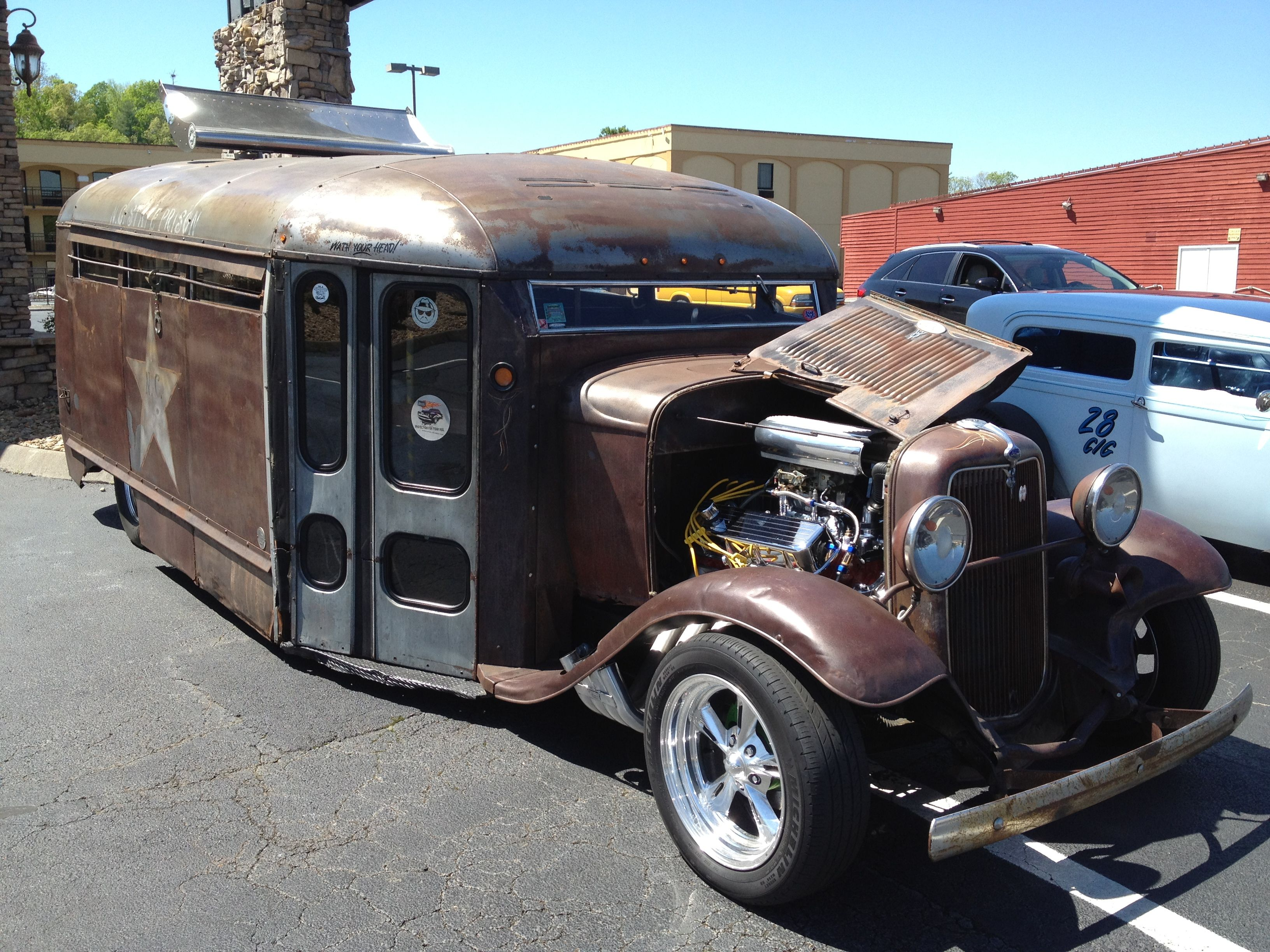 Old bus from NC State Prison turned into an awesome hot rod ...