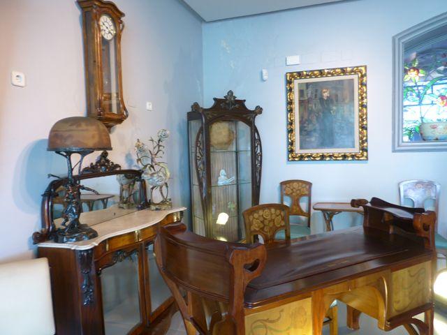 originales muebles en el museo casalis arte y cultura
