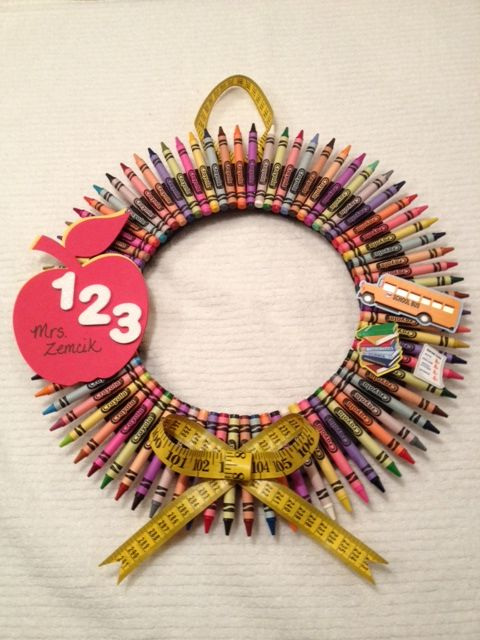 Back to School wreath...perfect gift for your favorite teacher or to decorate your own classroom!