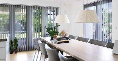 Solaflex AS er forhandler av Utvendig og Innvendig solskjermingsprodukter i Østfold, Oslo og Akershus. Vi tilbyr alt fra plissegardiner og persienner, til store markisesystemer beregnet til privathus og næringsbygg.