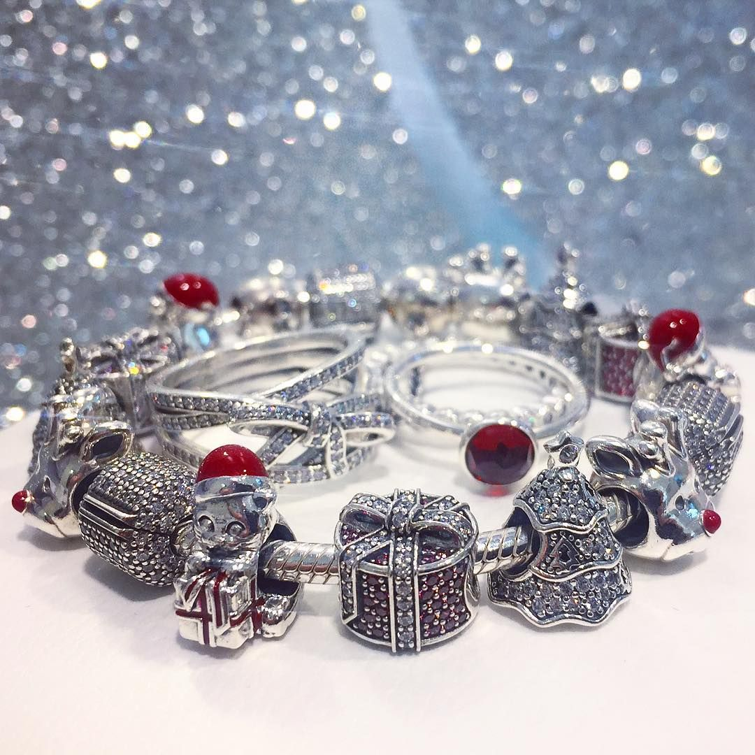 Pandora Christmas Gift Set: Celebrate The Gift Of Giving This Season. PANDORA's Magic