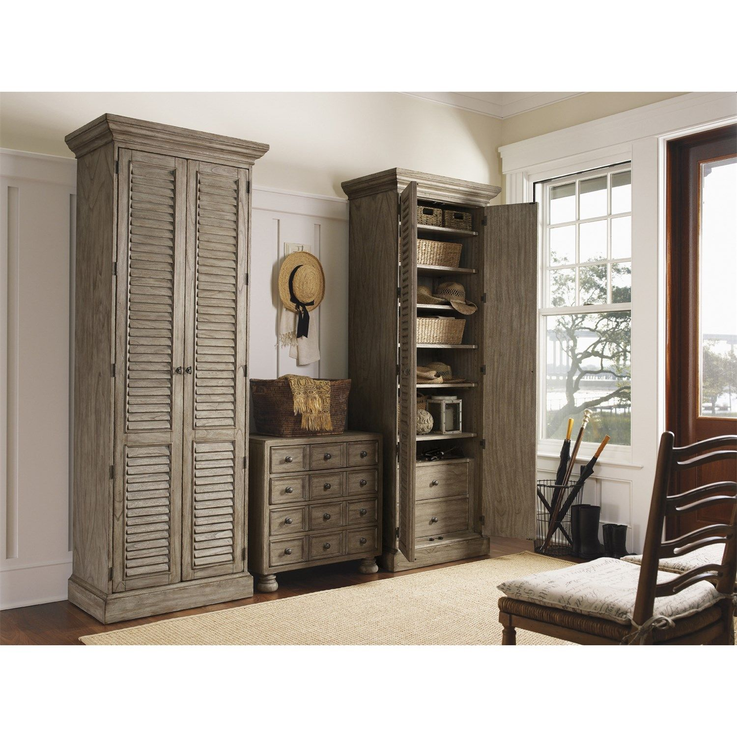 Lexington Furniture 352 691 Twilight Bay Hartley Cabinet