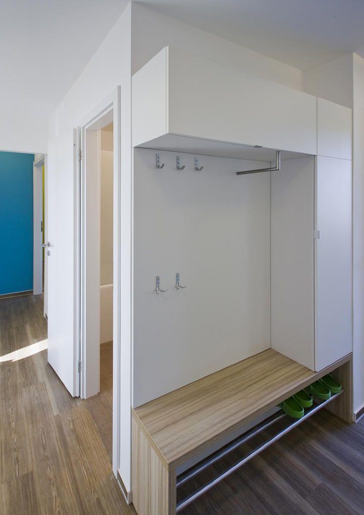 inspirace p eds chodba byt liberec humor pinterest hall d 39 entr e entr e maison et. Black Bedroom Furniture Sets. Home Design Ideas