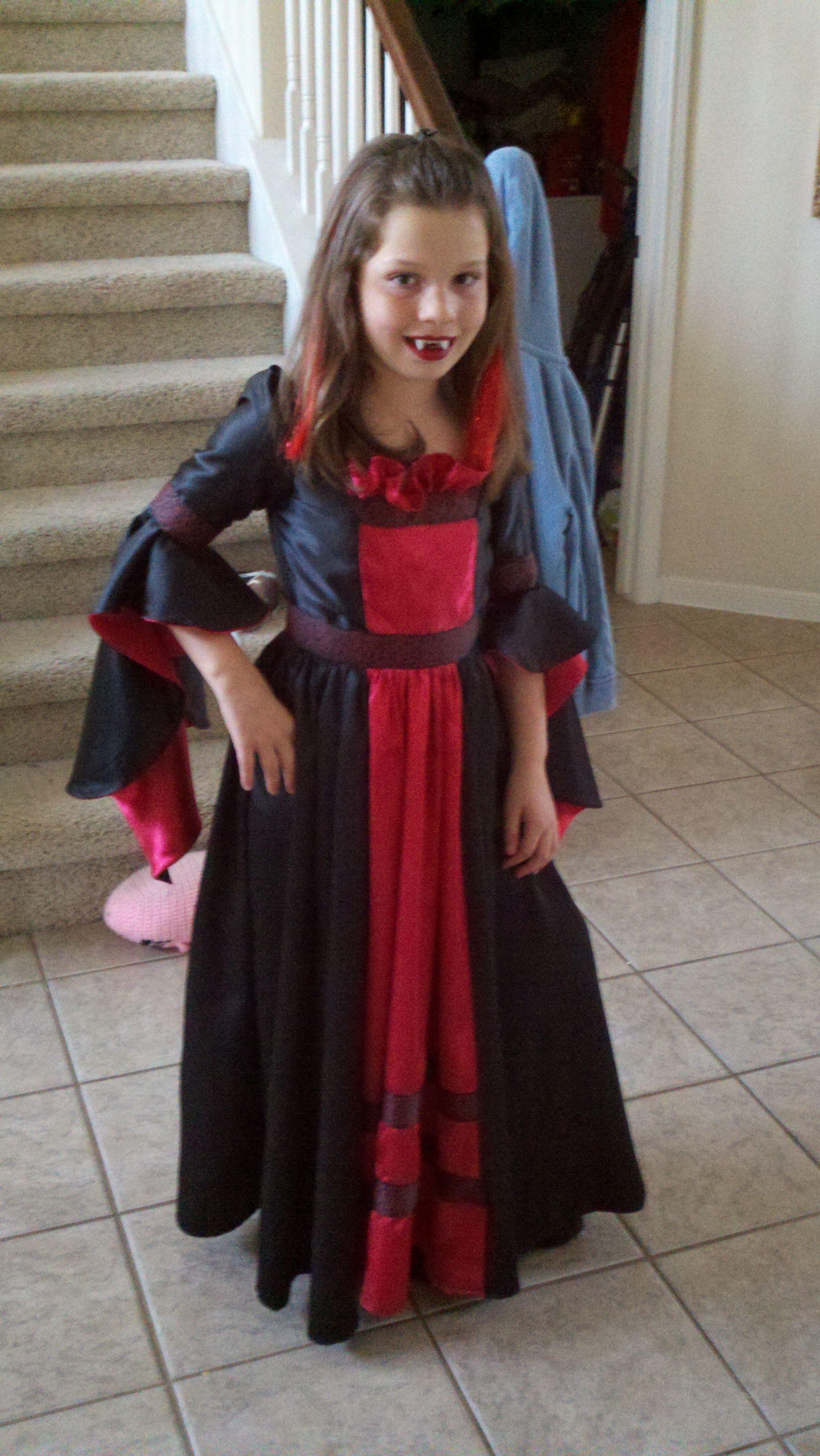 Vampire Queen Costume Girls vampire costume, Kids