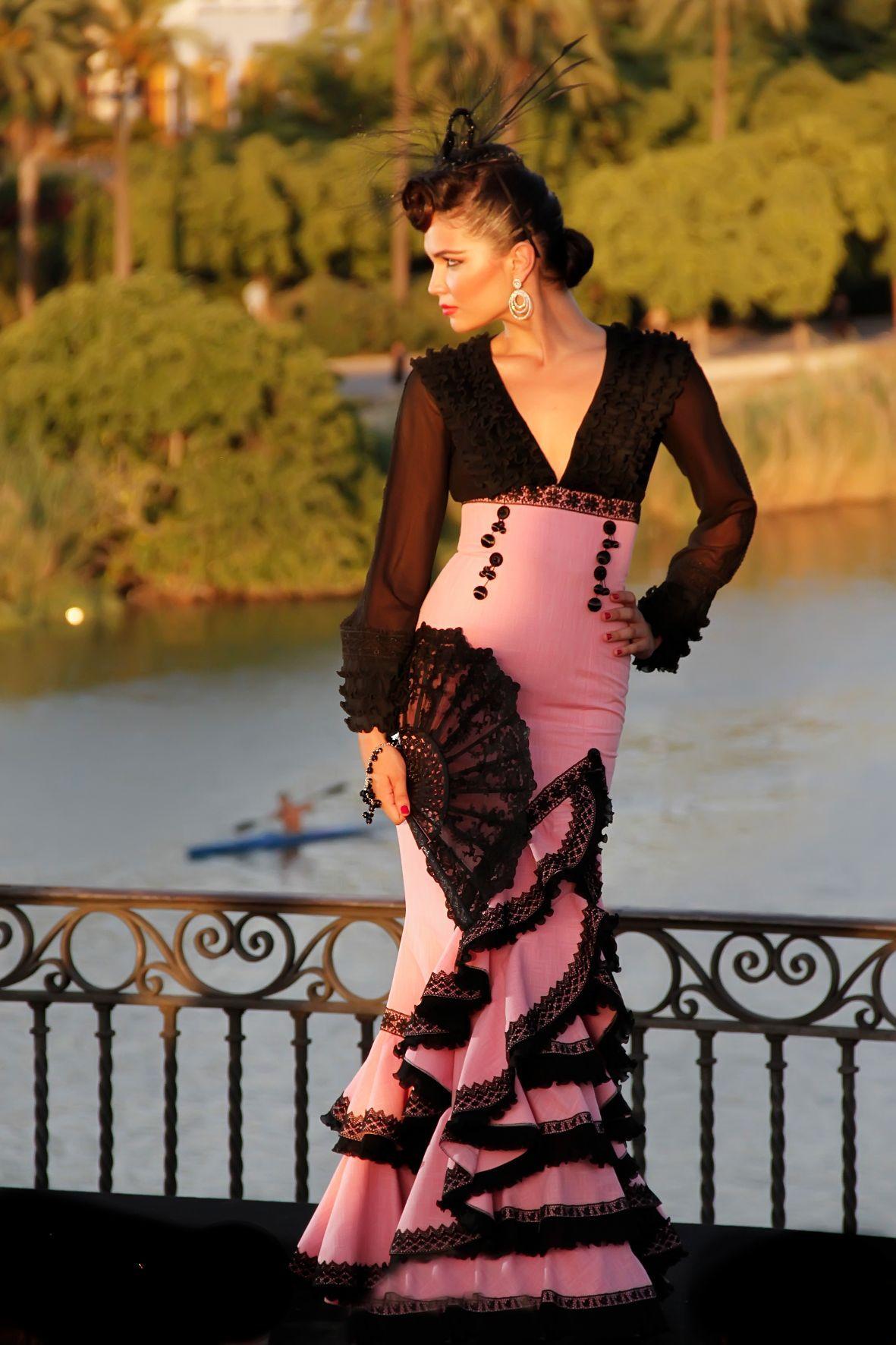 Vestidos de fiesta estilo sevillana