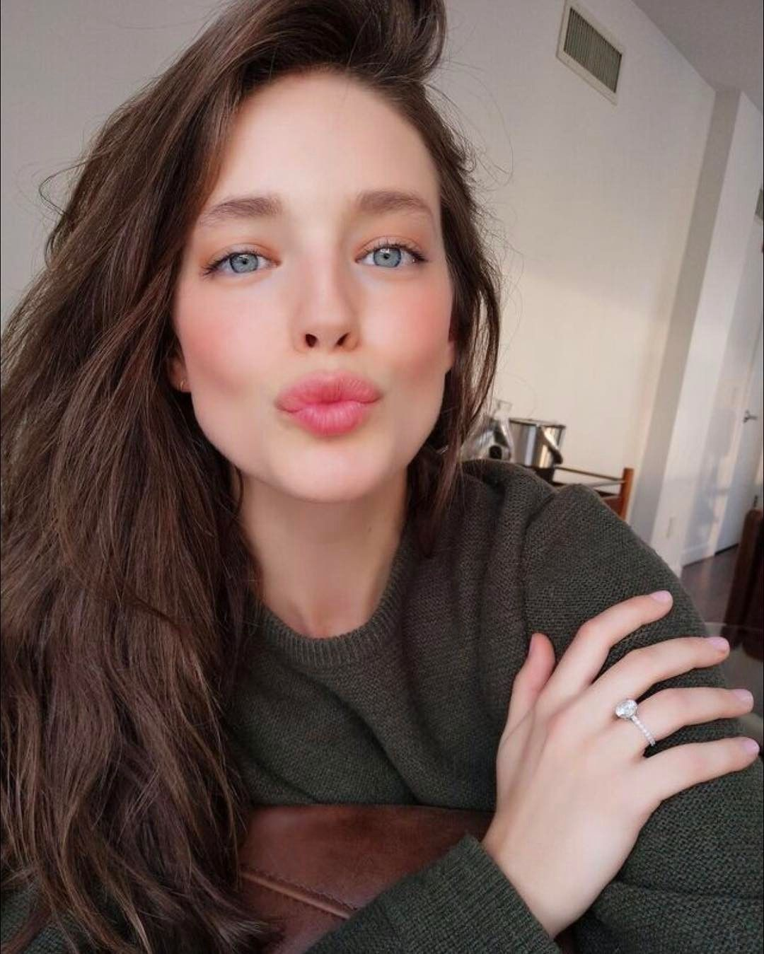 Selfie Emily Didonato nudes (72 photo), Tits, Leaked, Twitter, braless 2015