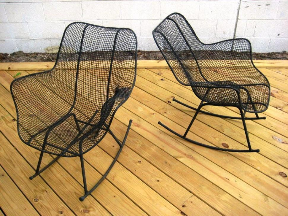 Feeling Comfort With Modern Outdoor Rocking Chairs   Http://www.clanvlg.
