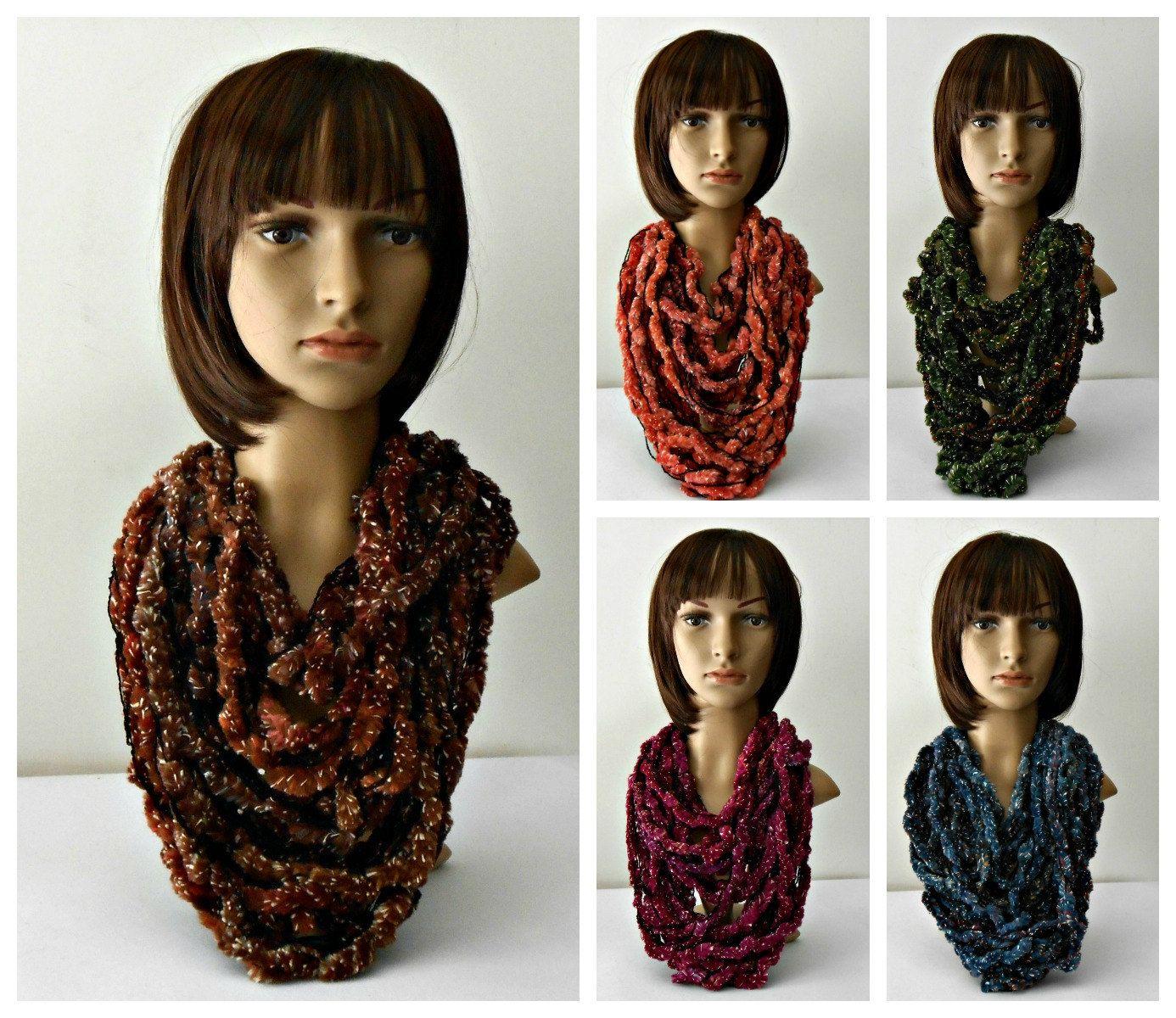 Collana scaldacollo in ciniglia, fatta a mano collana tessile in colori moda, sciarpa tubolare, collana sciarpa, idea regalo per lei by cosediisa on Etsy
