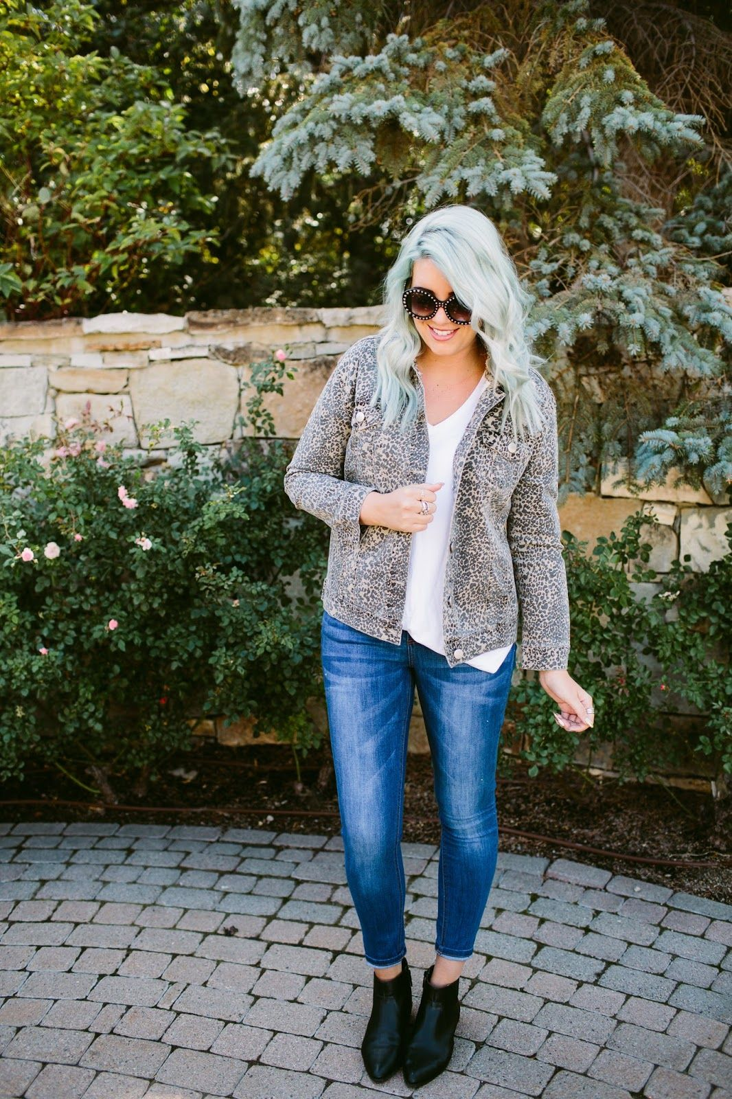 8d67d6f20a837 MOMMY AND ME JEAN JACKETS | The Red Closet Diary | Instagram: @  jalynnschroeder | mommy and me, toddler fashion, toddler girl fashion, fall  fashion, ...