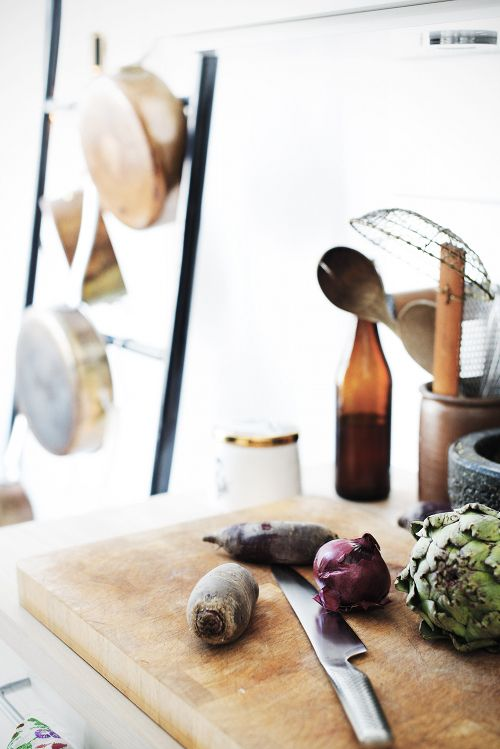 Wabi sabi scandinavia design art and diy great kitchen ideas from denmark · däische küche wohnungseinrichtungweihnachtsengellebensmittelfotografie
